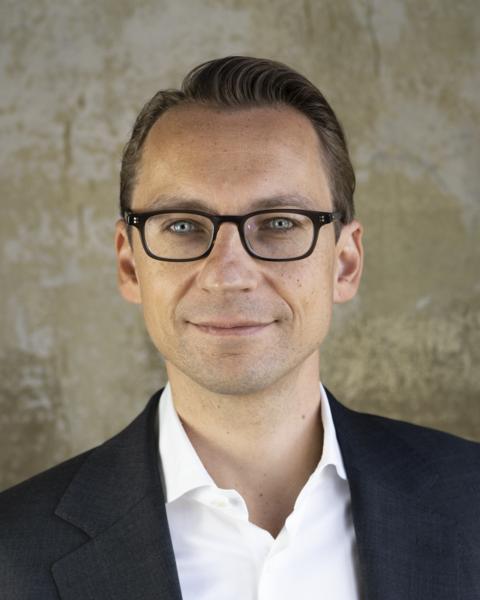 Maik Käbisch,    Founder & Chairman